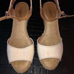 Lucky Brand Sandals SZ 7.8